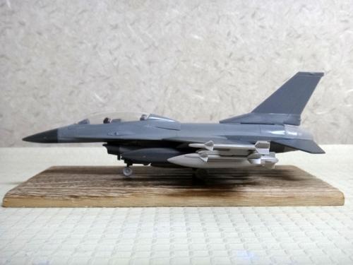 F16_21