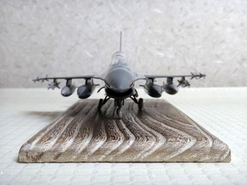 F16_24