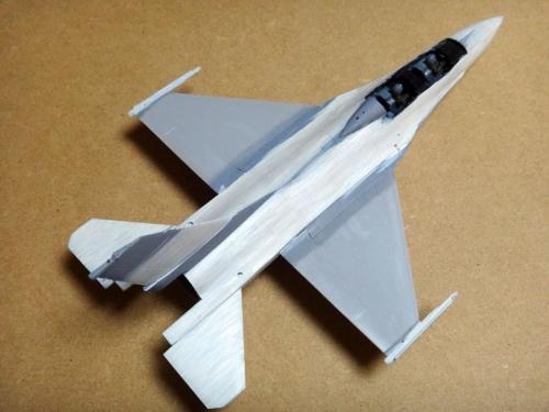 F16b_23
